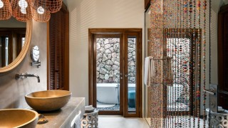 ZURI Suite Bathroom by Adam Letch