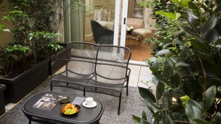 le narcisse blanc chambre deluxe terrasse2