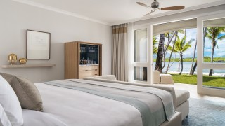 OO LeSaintGeran Lagoon Room King Interior